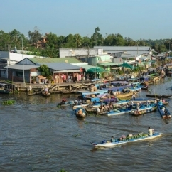 Floating market Mekong Vietnam - UNSW Global Water Institute