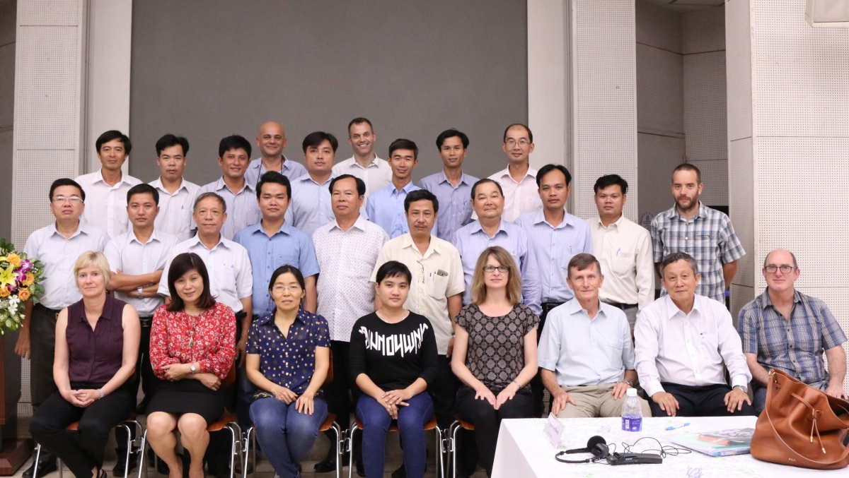 The project team, reviewers, stakeholders and ACIAR representatives at the project meeting held recently at Can Tho University (Photo Credit: Can Tho University).